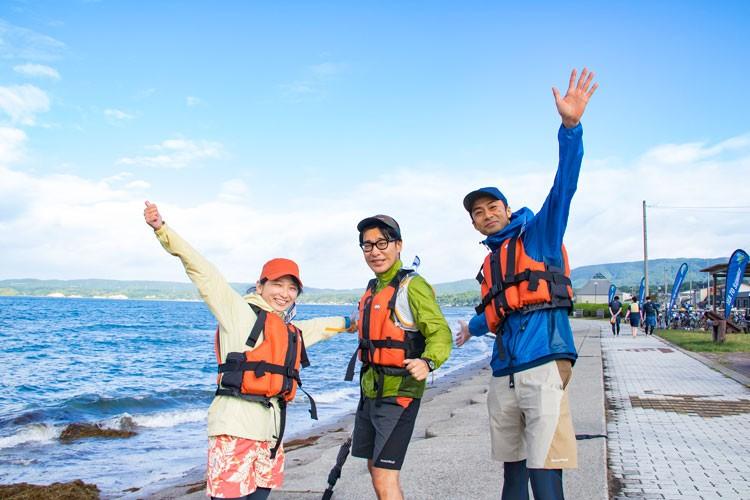 STSに参戦するべく発足した「チームHYAKKEI」。左から山畑理絵(ライター)、羽田裕明(.HYAKKEI編集長)、猪野正哉(モデル兼ライター)