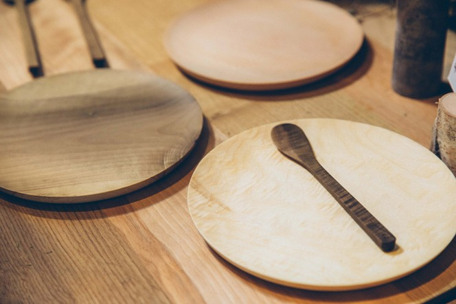 食器セット:新郎が飛騨出身である夫婦の式で実際に使用した、ファーストバイト用の食器