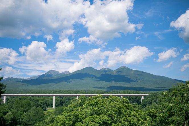 富士見町から見た八ヶ岳連峰。とても間近に感じられます