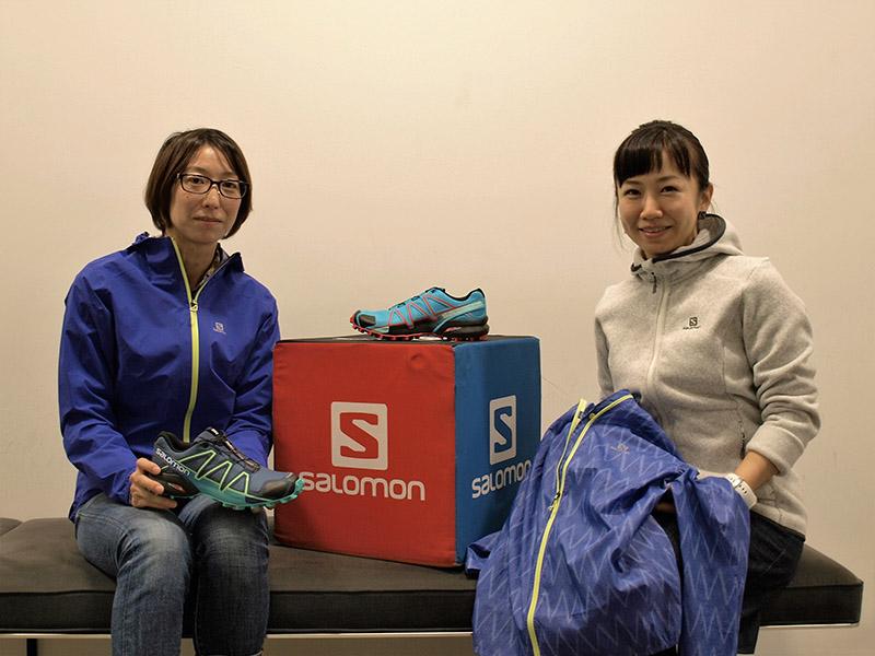 (左)サロモン アウトドア セールスチームの佐々木優子さん(右)アメアスポーツジャパンPRの芝崎樹里さん