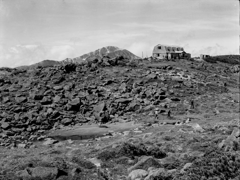 1960年代の雲ノ平山荘(提供写真)