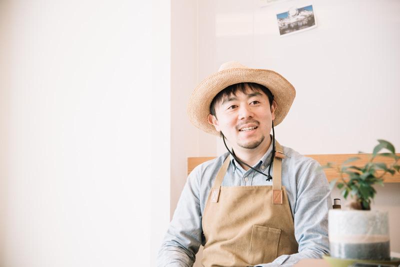 飲食店のキッチンスタッフ、料理本の編集者、PRイベントのフードディレクターなど、多彩な料理経験がある千秋さん
