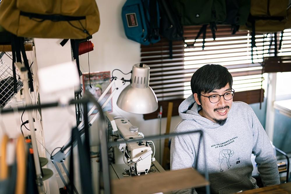 ヌルクオーナーの「ウッドさん」こと、井上真さん。10代でキャンプにハマり、登山歴は16年