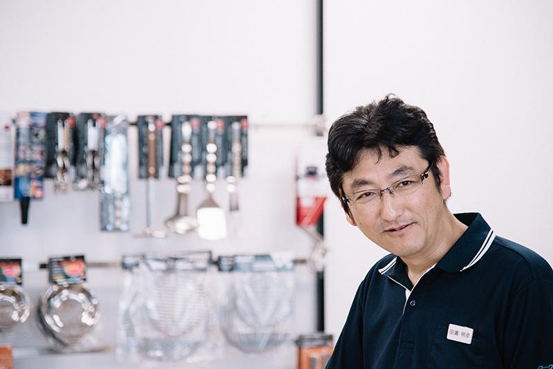 案内してくれたのは、株式会社新越ワークス ユニフレーム事業部 事業部長の田瀬明彦さん