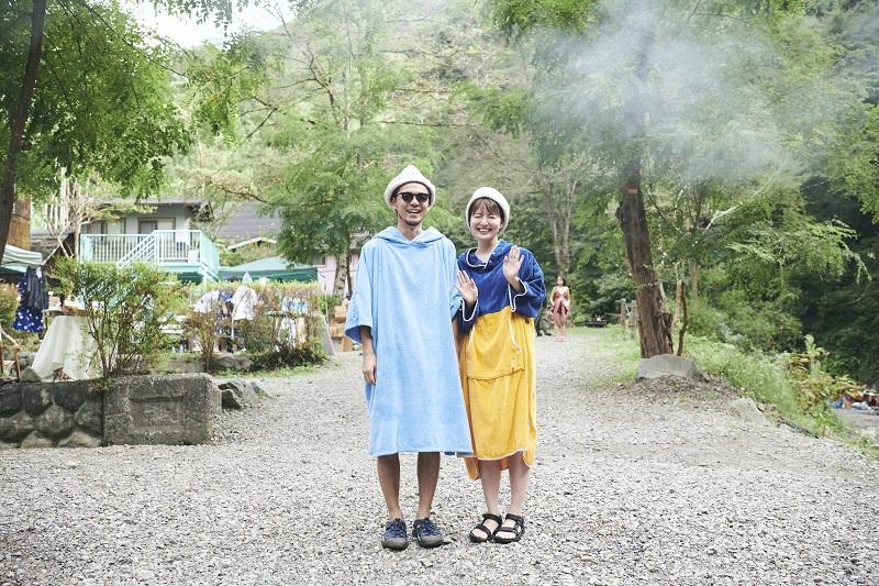 インタビューに応じてくれたゴルフィンさん(左)とSurimi(右)さん。笑顔がとってもステキなご夫婦でした