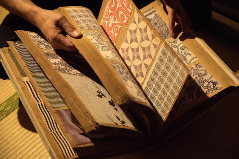 創業当時から守り続ける型紙の文様のアーカイブ。廣瀬さんがまだ使ったことない型紙もたくさん。