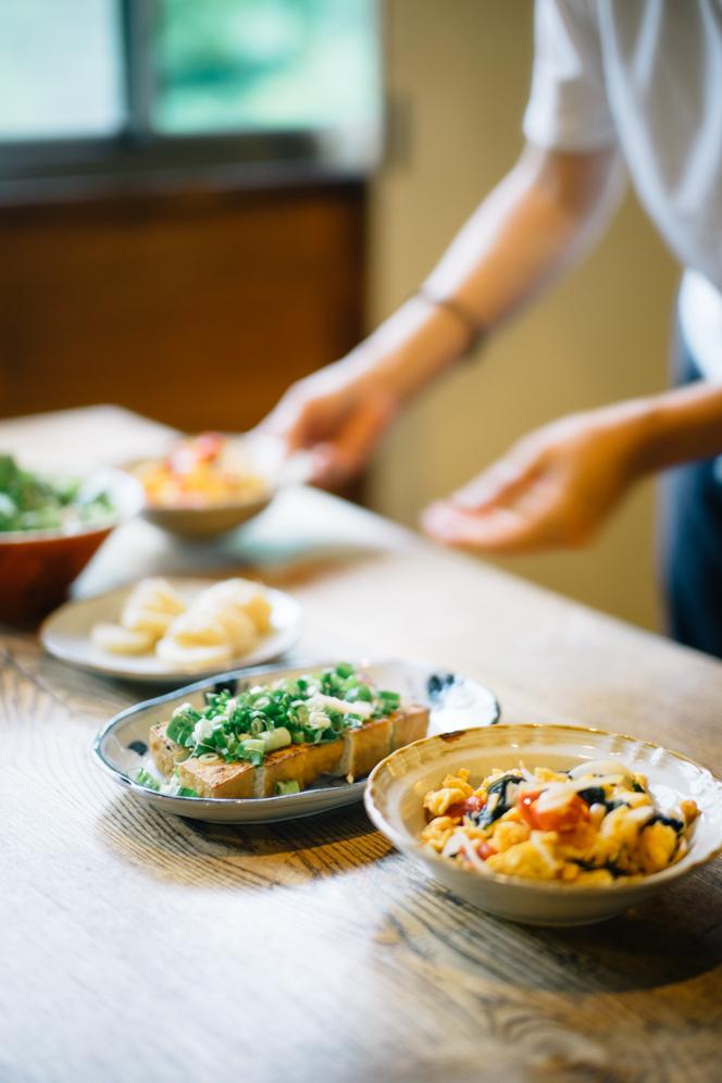 山菜や、自家栽培の野菜、ジビエを使った料理が好評だ。