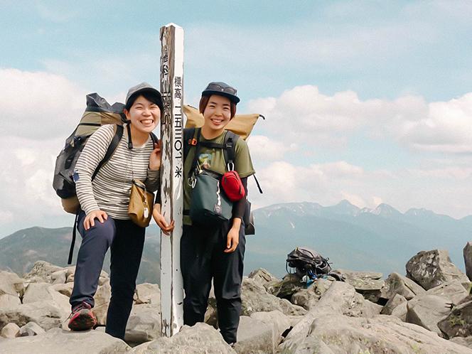 蓼科山山頂にて(提供写真)