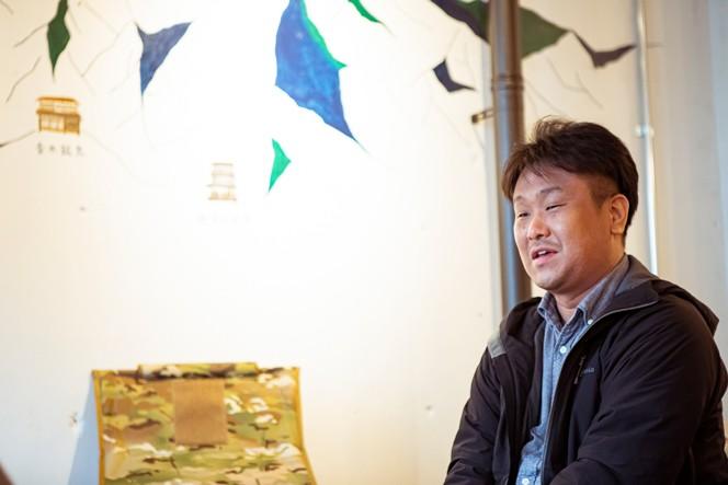 オーナーの野田寛さん。大学生の頃に海外旅行に開眼し、ゲストハウスに泊まりながらその土地のローカルを巡っていたそう