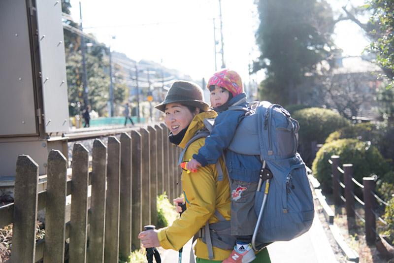今回案内してくれた登山ガイドの栗田朋恵さん(と娘さん)