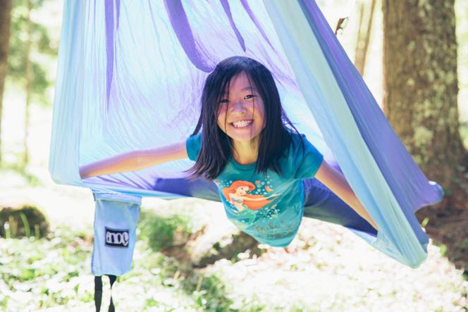 キャンプ慣れしているファミリーの小4の女の子