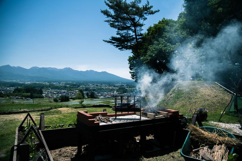 茅野市街と八ケ岳を一望できるCLUB3719も緑が豊かになってきました