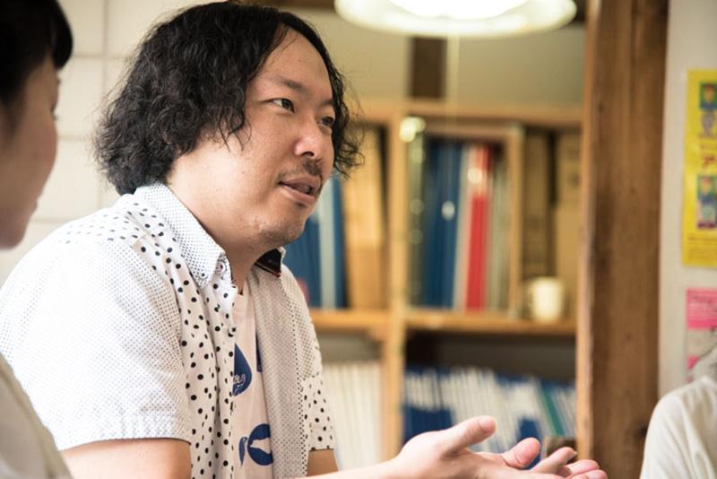 「工房まる」のアーティスト・石井悠輝雄さん