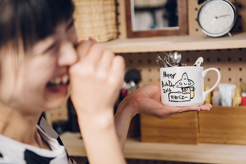 ミワさんは、ヤマガスキナダケさんからプレゼントされたイラスト入りマグカップがお気に入り。誕生日に山頂で渡され感激したそう