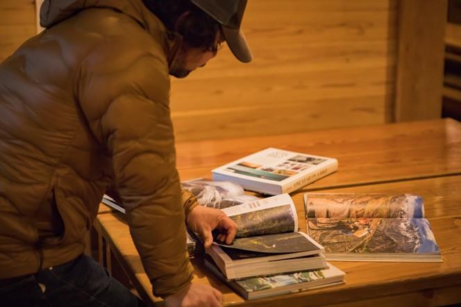 竹元さんは信州大学の山岳会出身。おもに岩と山、MTBをバックボーンにもち、MTBガイド、木こりとしての職歴もある