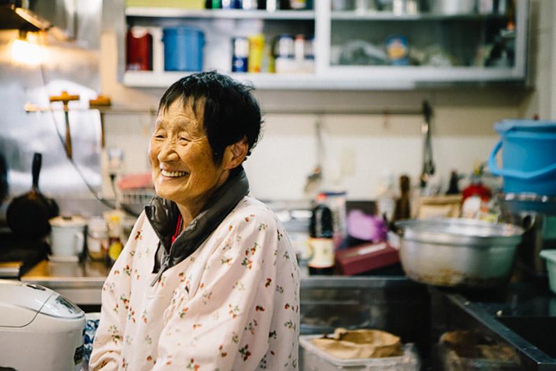 2代目主人、高相重信さんの奥さん、妙子さん。神戸で育ち、22歳の時にここへ嫁いできた