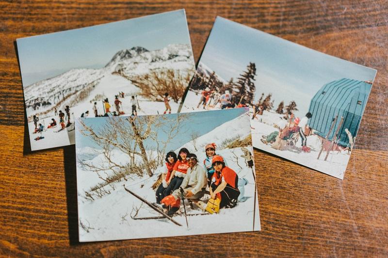 火打山スキーツアーを開催していた頃の植木さんと黒沢池ヒュッテ