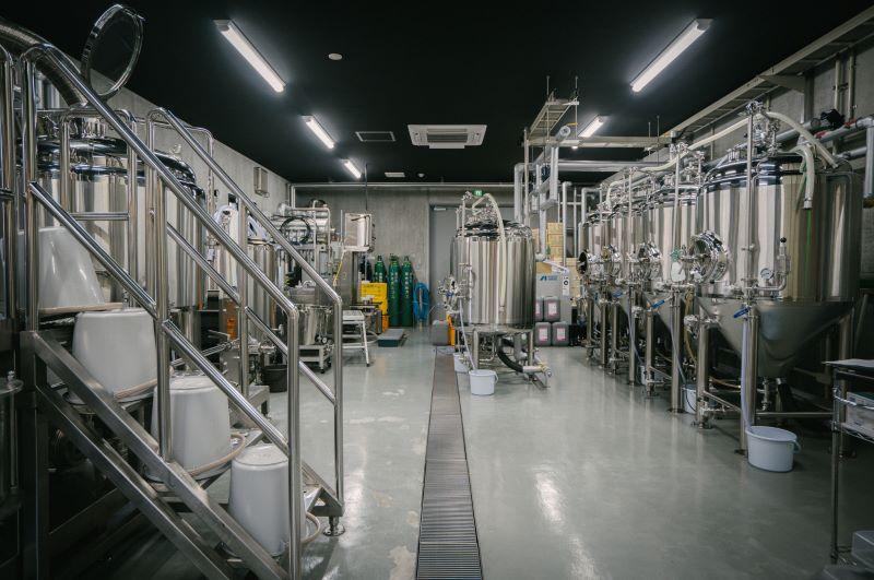 ビールのおいしさを守るため、醸造タンクは部品も含め毎日清掃し、無菌状態を保っている