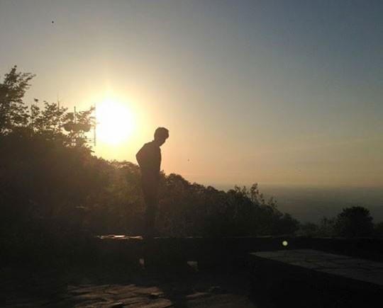 こちらは高尾山の早朝。時間が違うだけで全然違った景色が見れます。