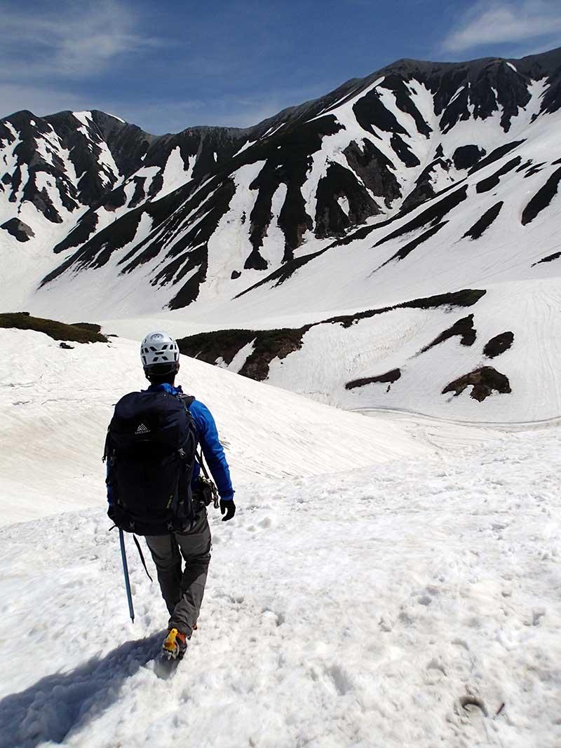 島田さんの長年のパートナー「グレゴリー・バルトロ」を身につけ、立山連峰へ(2017年6月)