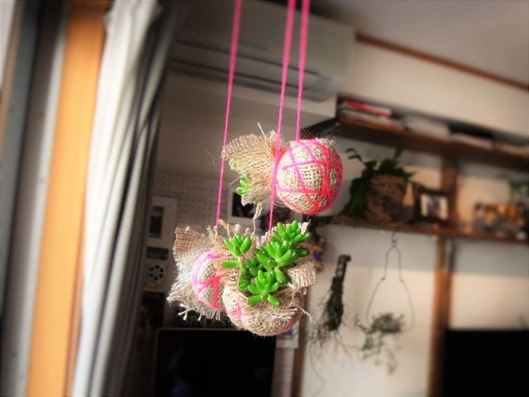 植物のアレンジもお手の物。このボタニカルボールは原口さんの作品で、「kerikeri(ケリケリ)」という名義で活動中。ウェブサイトで販売も行っているそう