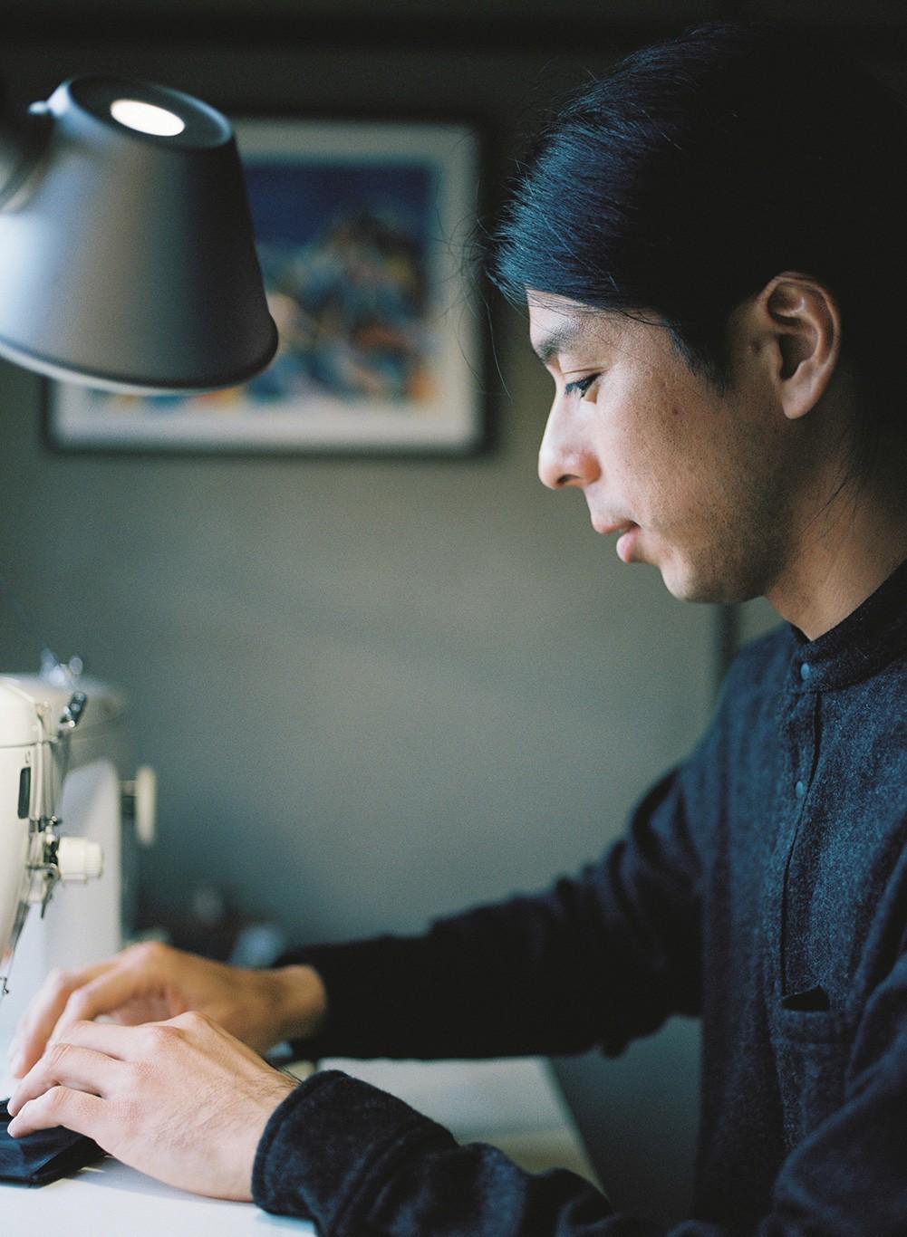 工房のミシンは、サンプル作りや商品の検品時の縫い直しに使用