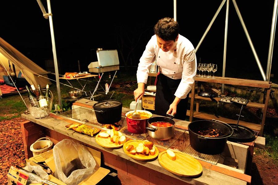 ずらりと並んだフレンチ料理。お客様は好みに応じて楽しむことができます