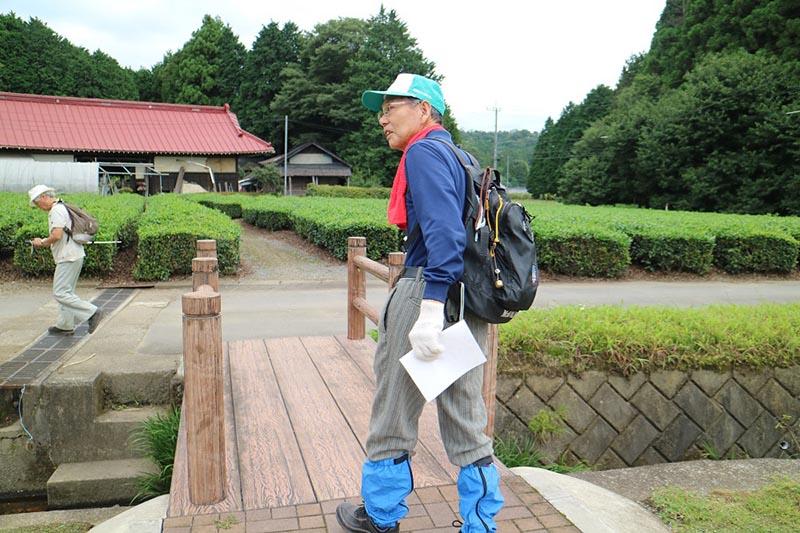 鶏足山の保全活動にも携わる加藤さん。
