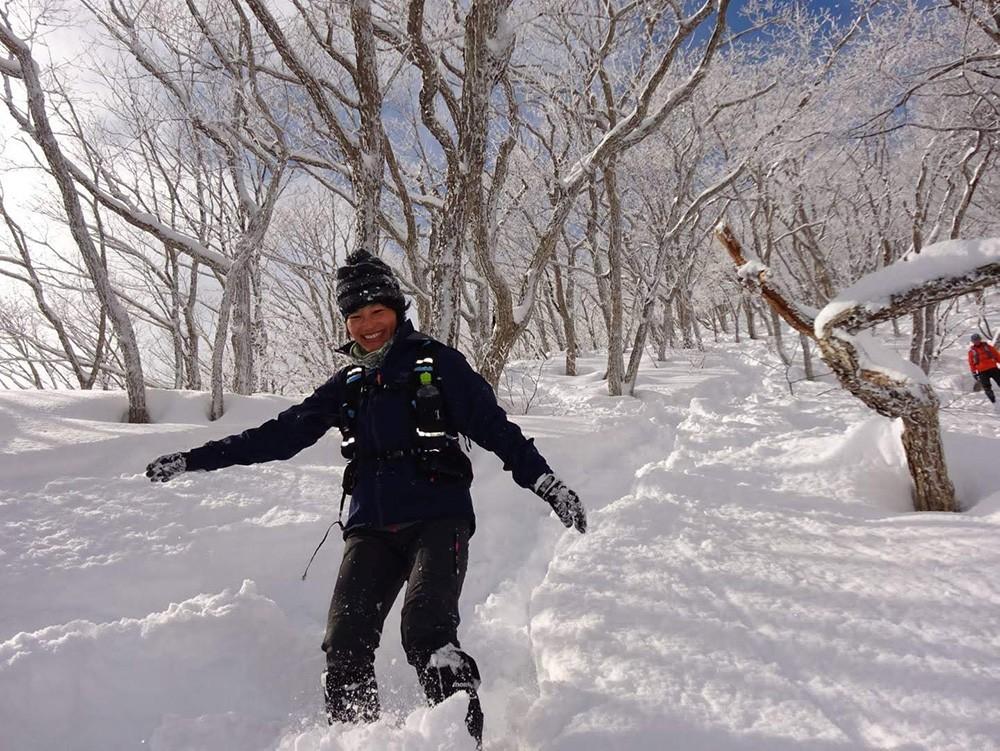 長野県・高社山にて。冬はスノーシューやスキーを楽しんでいる