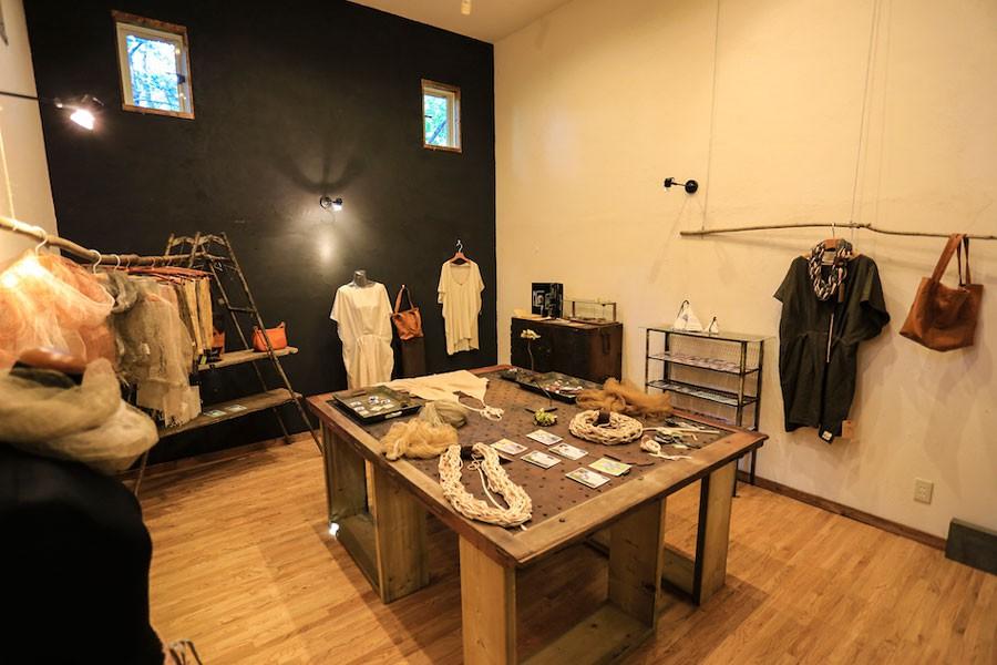 日本各地から選りすぐりの作家さんの品物を展示するギャラリー