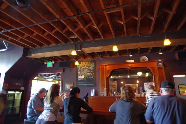 """ポートランドの隣町フッドリバーにある""""Double Mountain Brewery"""" (池田さん提供)"""