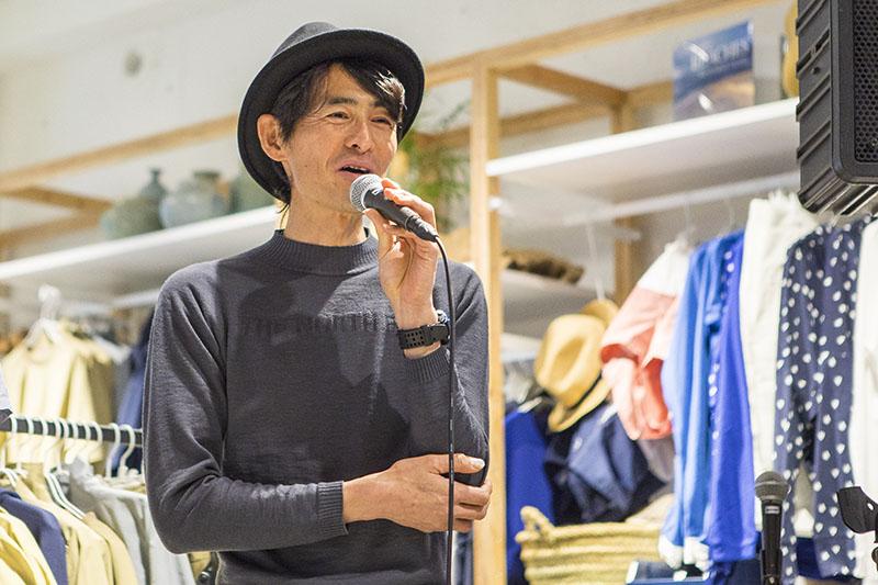 鏑木さんは、石垣島の山は海を感じられるトレイルとして、山の楽しみ方の幅が広がると話す