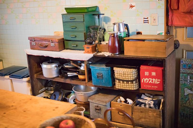 家のなかには至るところに古道具が。どれもいい味出してます