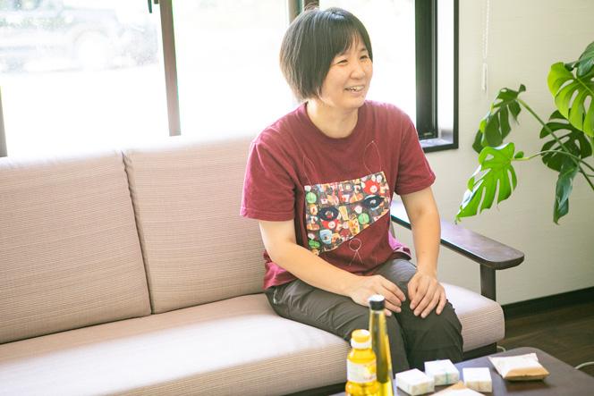 2006年より両親と長野県原村に移住したのち、小古間さんだけ隣町の富士見町へ