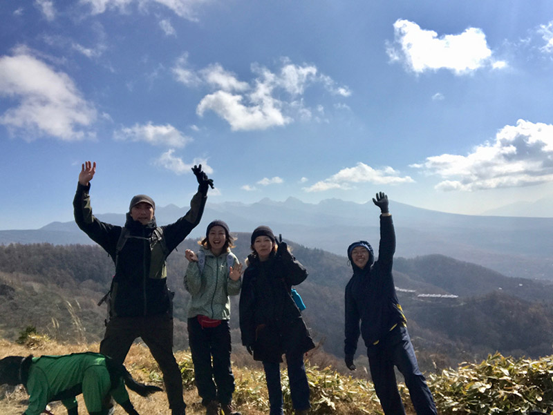 仲良しの友人と登りにいった八子ヶ峰での一枚(写真/宮澤さん提供)