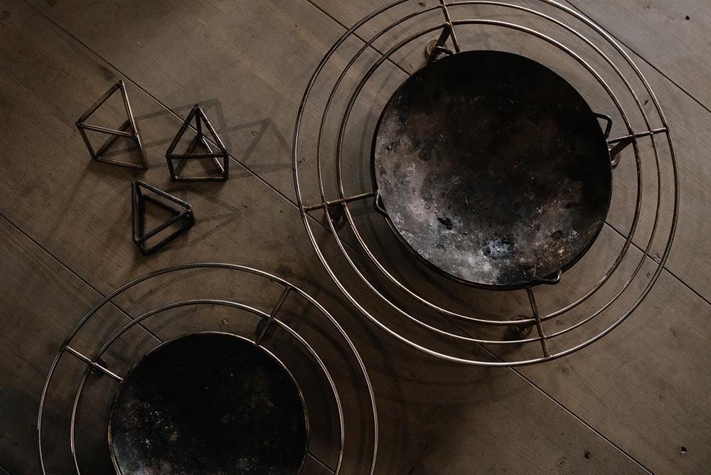 こちらがTAKIBISMの焚き火台「直火台」