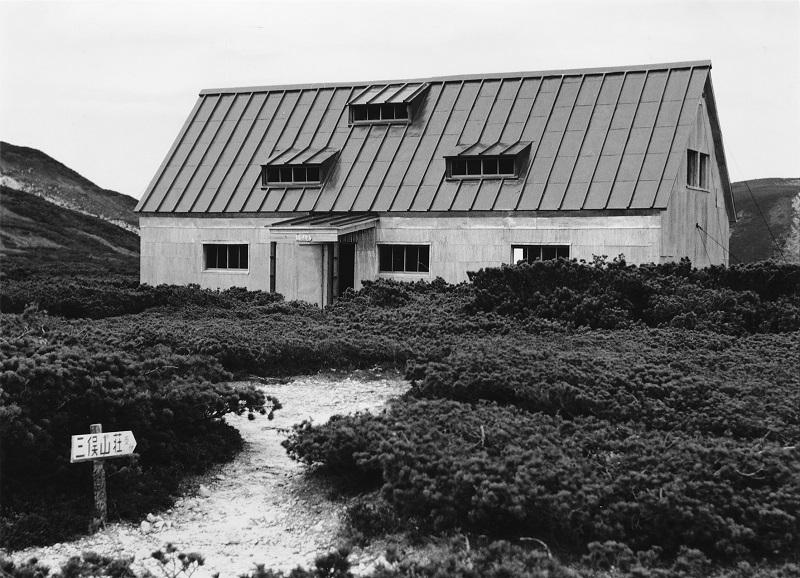 1961年建設直後の三俣山荘(提供写真)