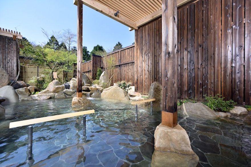近場に源泉掛け流しの温泉!箱根高原ホテル